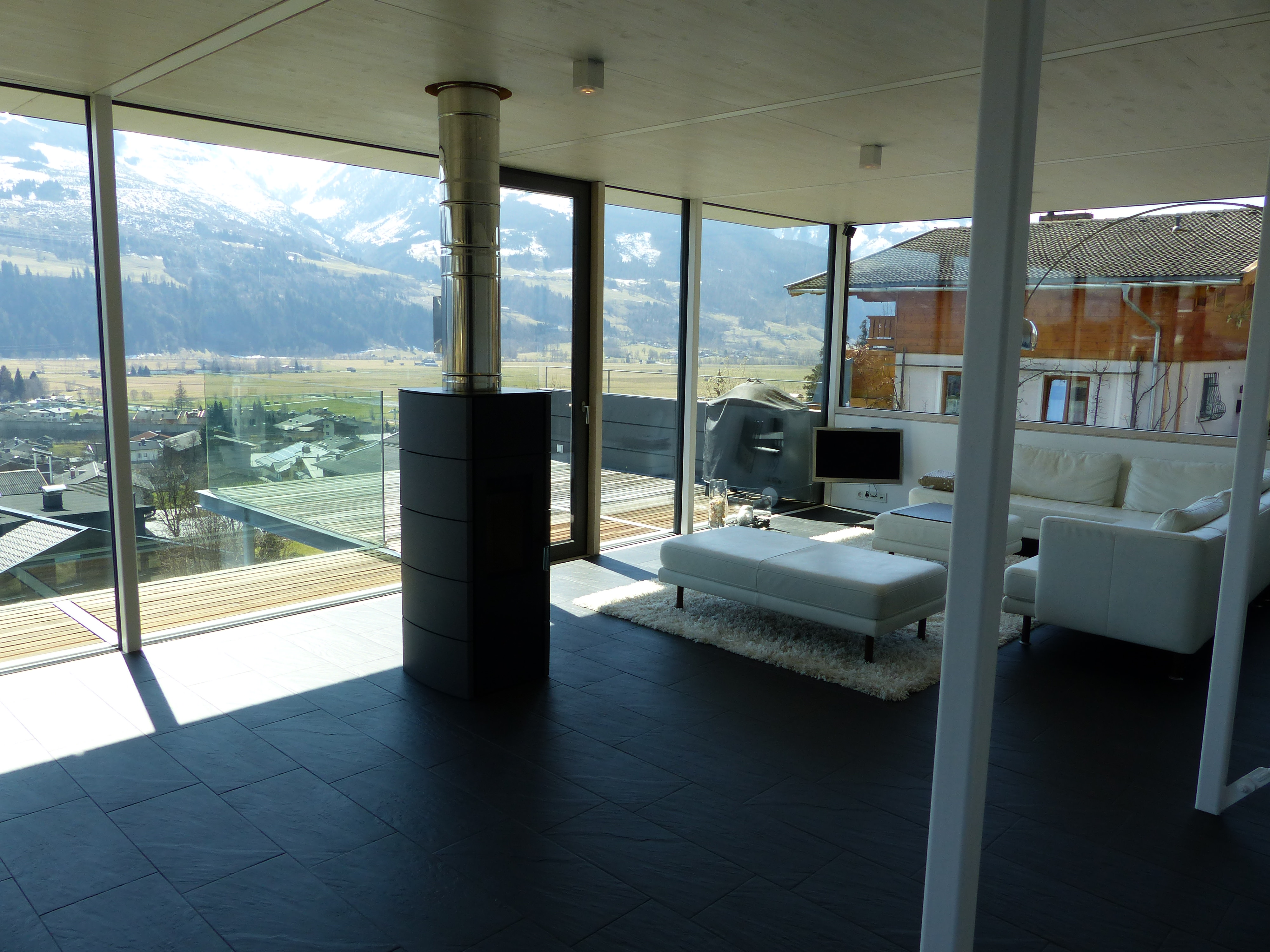 THE GLASSHOUSE - Design Holiday Home