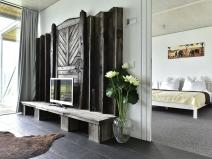 EG Aufenthaltsraum & Blick Schlafzimmer / ground floor hall sitting & view sleeping room